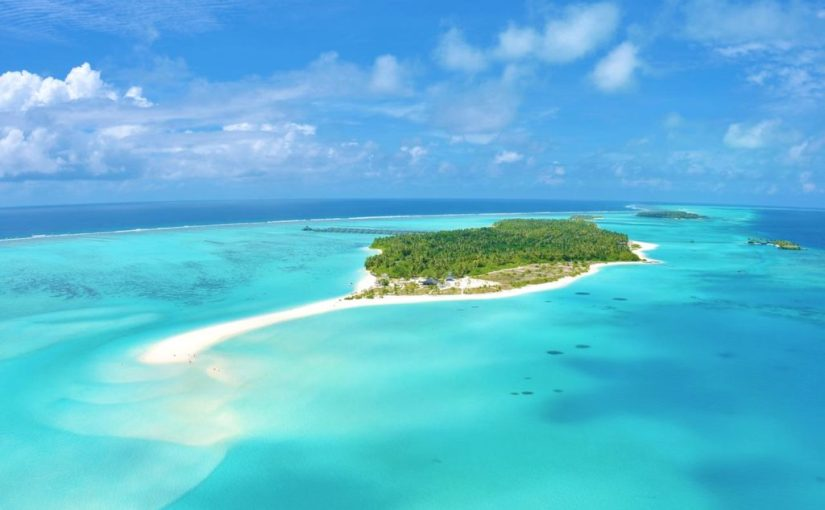Super vacanta in Maldive la pretul de 610 euro/persoana in perioada 30 martie 2020-8 aprilie2020.