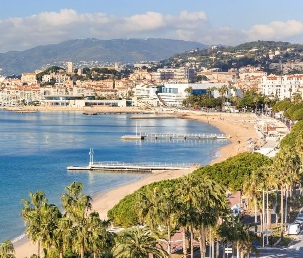 Sejur 6 nopti in perioada 12-18 iunie la Cannes – 278 euro, zbor dinBucurești