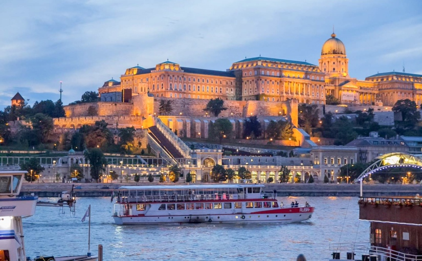 Weekend prelungit de 1 iunie 2020 la Budapesta, zbor din București cu Tarom sau Lot, in perioada 29 mai-1 iunie 2020 -160euro.
